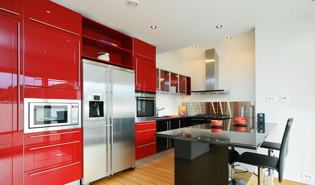 Дизайн кухни в обоях